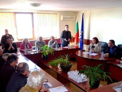 Корнелия Нинова и Валери Сарандев са с най-много номинации за кандидати за народен представител в Гоцеделчевско