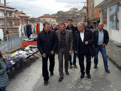 """В с. Абланица посрещнаха Богдан Боцев с думите: """"Ние ще ви дадем шанс""""!"""
