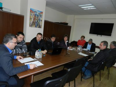 Родители и учители искат децата на Лъжница и Корница да учат до 10-ти клас на село