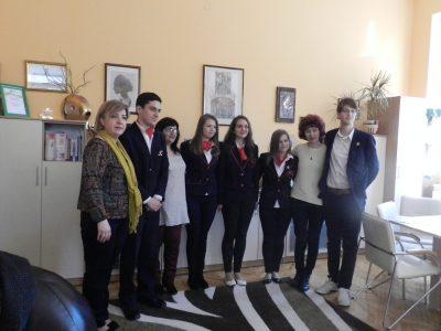 """Гоцеделчевската ПМГ """"Яне Сандански"""" защити достойно честта на Благоевградска област в националната олимпиада по химия"""