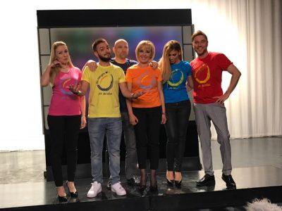 Миро, Анелия, Криско, Деси Бакърджиева и Тити Папазов в клип  с омбудсмана Мая Манолова, събират пари за баба и дядо