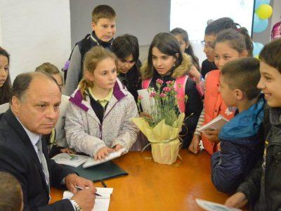 """""""Щурче в дъжда"""" и Иван Мишев събраха почитатели на поезията от Гоце Делчев"""