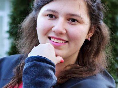 """Млада поетеса от Гоце Делчев спечели второ място в националния синодален конкурс """"Възкресение Христово"""""""