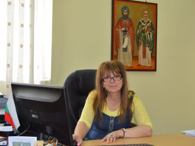 Людмила Дерменджиева: Бъдете здрави и все така всеотдайни, уважаеми колеги! Смело мечтайте, скъпи ученици!