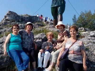 """Гоце Делчев и ТД """"Момини двори"""" посрещнаха туристи ветерани от цяла България"""