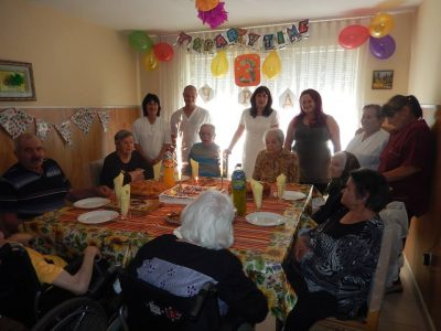Трети рожден ден отпразнуваха възрастните хора и тези, които се грижат за тях в един от социалните центрове в гр. Гоце Делчев