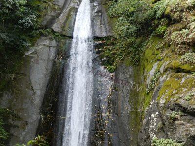 Една разходка до близкия водопад Смолари