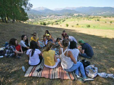 Градски младежи от цялата страна ще живеят за месец в Лъжница и околните села на Гоцеделчевско
