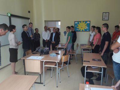 """Ученици и учители от ПМГ """"Яне Сандански"""" в Гоце Делчев посрещнаха посланика на Южна Корея"""