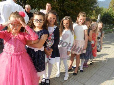 С повече ученици, нови специалности и модерни лаборатории започва учебната година в град Гоце Делчев
