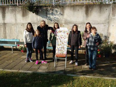 Със собственоръчно изработени бижута момичета от село Ляски помагат за набиране на средства за ремонт на местната черква
