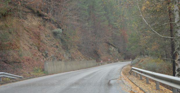 Община Гоце Делчев настоява Областното пътно управление – Благоевград да си свърши работата за безопасно пътуване през прохода Попови ливади