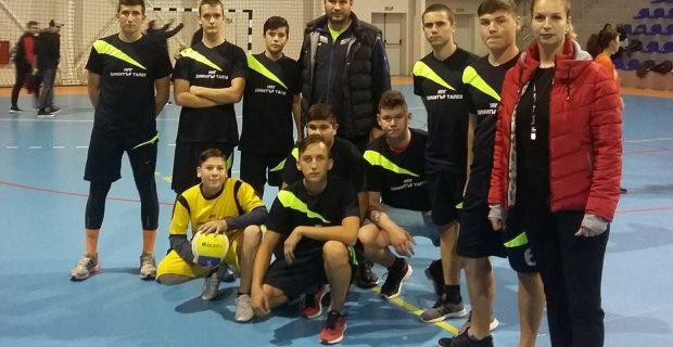 Ден на волейболни страсти и победи в есенните ученически игри в Гоце Делчев