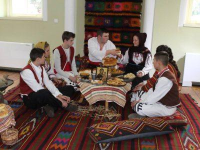 Коледни обичаи и сурвачки в музея на град Гоце Делчев