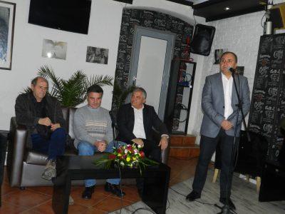 Неврокопчани затрупаха с въпроси журналиста Тома Томов и проф. Иво Христов