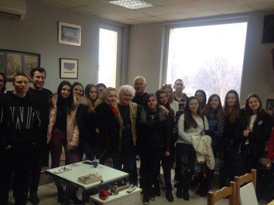 Любовта на Яворов събра млади хора в ателието на неврокопския художник Николай Маринов
