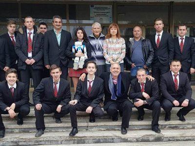 Млади хора от Гоце Делчев, с интереси в областта на роботиката, гостуваха на учени от БАН