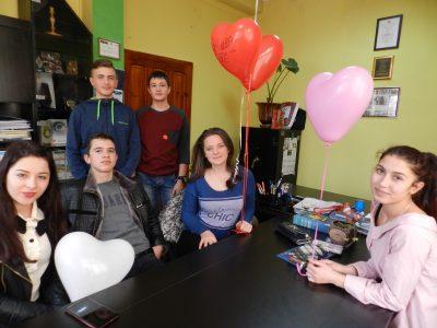 Млади хора от Гоце Делчев започнаха благотворителна акция за създаване на мост на влюбените