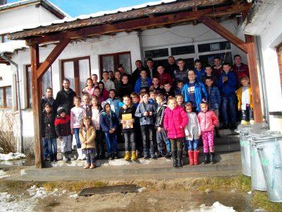 Приятели на птиците от Гоце Делчев гостуваха на децата от Сърница и Побит камък