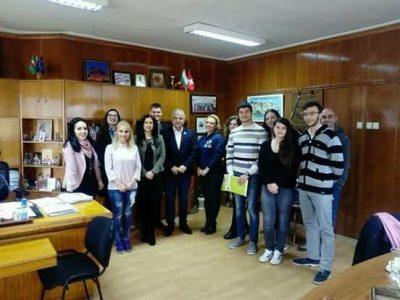 Националният младежки форум и община Гоце Делчев подписаха споразумение за партньорство