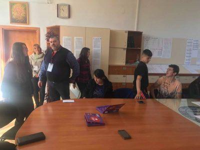 """И децата от Трето ОУ в Гоце Делчев се включиха в кампанията """"Дари от любов"""""""