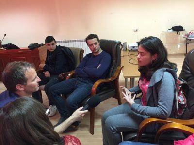 Млади хора от Хаджидимово искат да знаят как да разпознават фалшивите новини