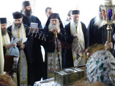 Над 200 българи на Света литургия в морето край Атон