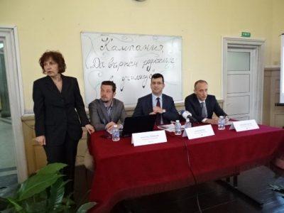 Евродепутатът Асим Адемов: Повече от 80% от родителите разчитат единствено на детето си за информация за училищния живот