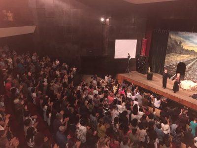 Нестихващи аплодисменти за Васил Михайлов и Стефка Янорова на неврокопска сцена