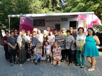 """Над 300 жени от Гоце Делчев и Разлог успяха да си направят безплатни профилактични прегледи със съдействието на фондация """"Една от 8"""""""