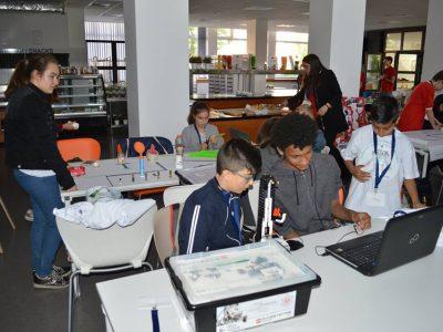 Двата отбора по роботика на Първо ОУ от Гоце Делчев пребориха сериозната конкуренция в състезанието Роботика за България