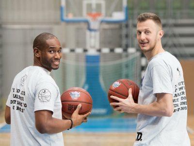 Мастър клас по баскетбол с Джими Хънт и един от треньорите на Бостън Селтикс – Пиер Съли