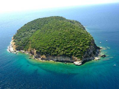 Змийският остров срещу Неа Ираклица все още се продава, Бойко Борисов не го е купил