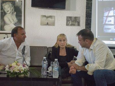 Неврокопските социалисти посрещнаха Елена Йончева с много въпроси