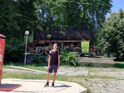 Иван Попов от Гоце Делчев ще представя България на международна олимпиада по астрономия в Шри Ланка