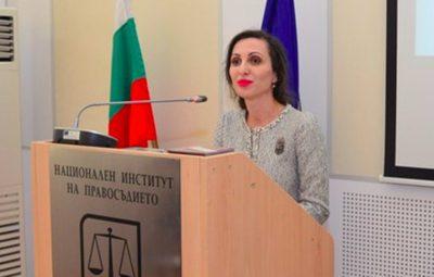 Съдия Виолета Магдалинчева: Уча младите колеги да отсъждат по справедливост