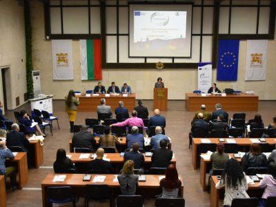 Опростяване на процедурата за кандидатстване с проекти за европейско финансиране обеща евродепутатът Андрей Новаков