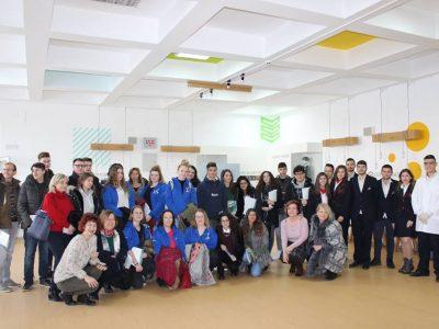 Младежи от Белгия, Италия, Полша и техни връстници от Гоце Делчев търсят пресечните точки между култура и наука