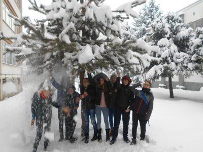 Снежни фото усмивки от Гоце Делчев