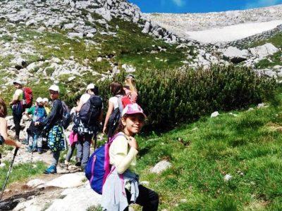 """Младите туристи от """"Пирински стражи"""" отново изкачиха третия по височина връх на Балканите"""
