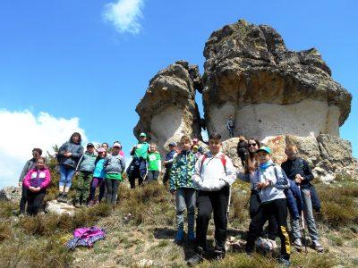 """Младите туристи от клуб """"Пирински стражи"""" започват летни планински приключения"""