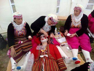 Старинна сватба от село Брезница ще омайва публика и жури на международен фестивал в Полша