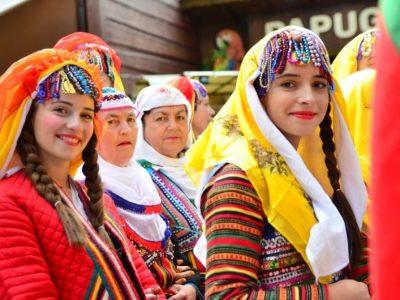 Самодейци от Брезница обраха наградите в международен фолклорен фестивал в Полша