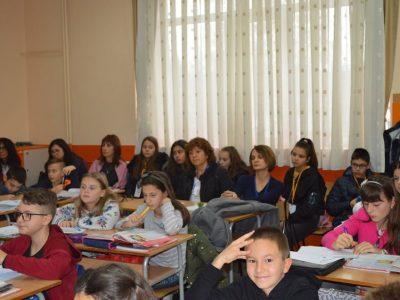 Учители и ученици от Гоце Делчев посрещнаха гости от Благоевград и показаха иновации в действие