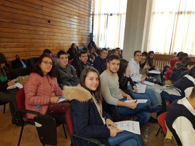 Млади хора и читалищни активисти се учат на социално предприемачество