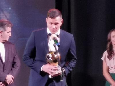 Роденият в Гоце Делчев Васил Божиков стана футболист № 3 на България, Евдокия Попадинова от Хаджидимово е номер 1 в женския футбол