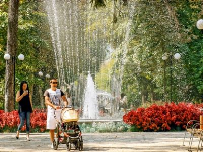 Педиатри настояват децата да се разхождат в градските паркове и в планините
