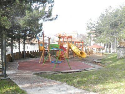 Днес след 18 часа ще пръскат срещу акари в парк Панорама и в района срещу бившата казарма в Гоце Делчев