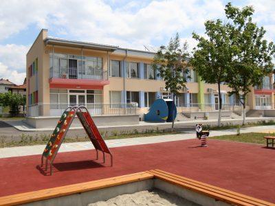 """Напълно обновена е детска градина """"Радост"""" в град Гоце Делчев, откриват я в понеделник"""
