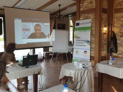 """Иновативен лагер за социално предприемачество проведе Бизнес инкубатор – Гоце Делчев, ЦПП в комплекс """"Боже име"""""""